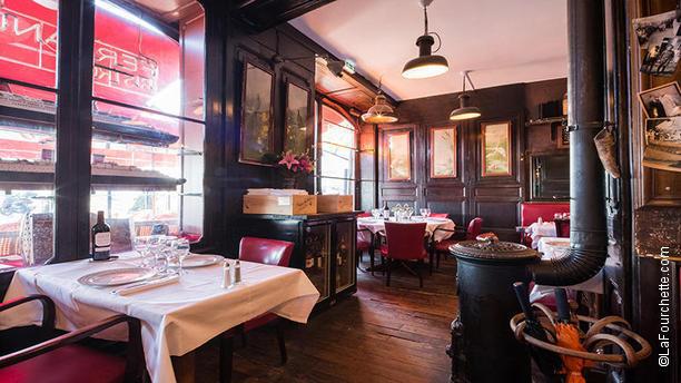 restaurant brasserie des douanes bordeaux. Black Bedroom Furniture Sets. Home Design Ideas