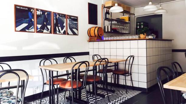 restaurant chez hibou bordeaux. Black Bedroom Furniture Sets. Home Design Ideas